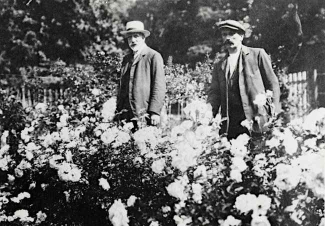 Joseph Hardwick Pemberton and his Gardener Bentall
